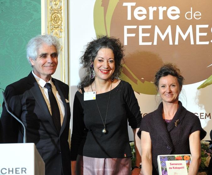 Isabelle Velarde obtient le 2ème prix Terre de femmes Yves Rocher projet InitiaTerre impulsé par WECF France