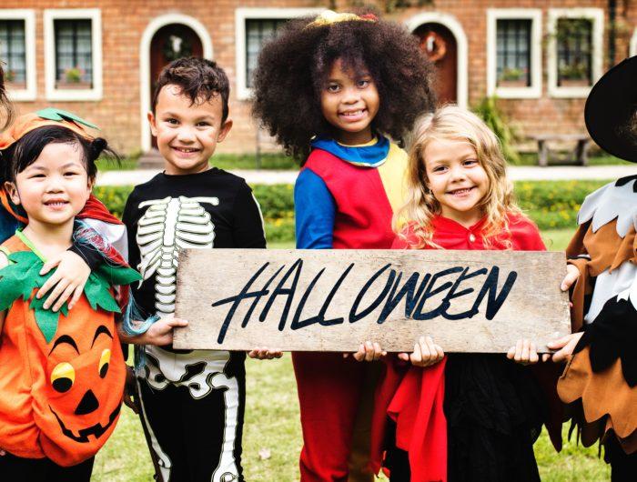 Suède: tests de déguisements pour enfants