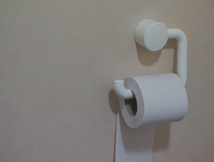 """Rouleau de papier toilette """"biodégradable"""" : n'en jetez plus (dans les toilettes)!"""