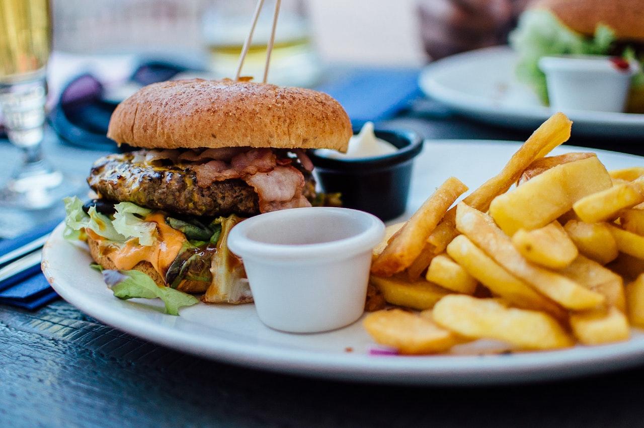 Additifs alimentaires : ils sont toujours dans nos assiettes