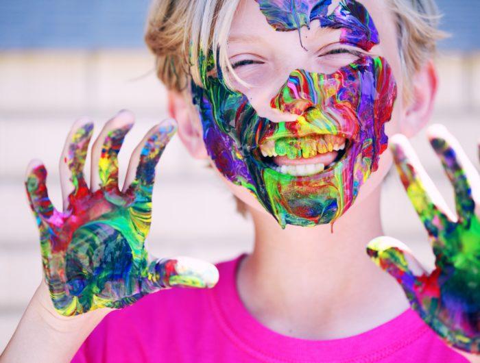 Maquillages pour enfants: des substances indésirables dont des perturbateurs endocriniens retrouvés