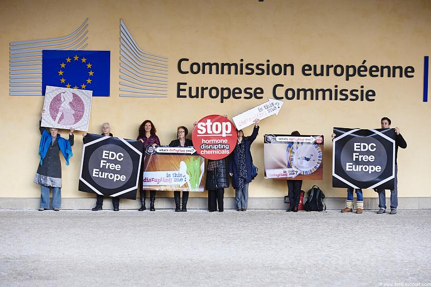 Manifestation EDC Free devant la comission europenne