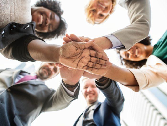 Covid-19 : 60 parlementaires lancent une consultation citoyenne pour préparer le « jour d'après »